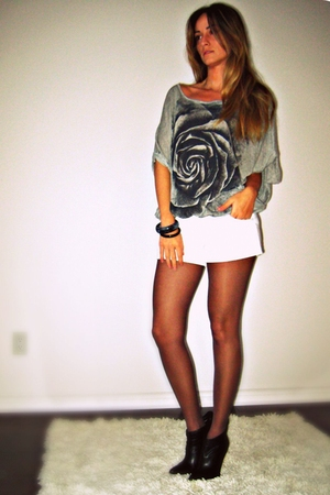 Sirens top - H&M shorts - victoria secret stockings - Aldo boots - Ardene bracel