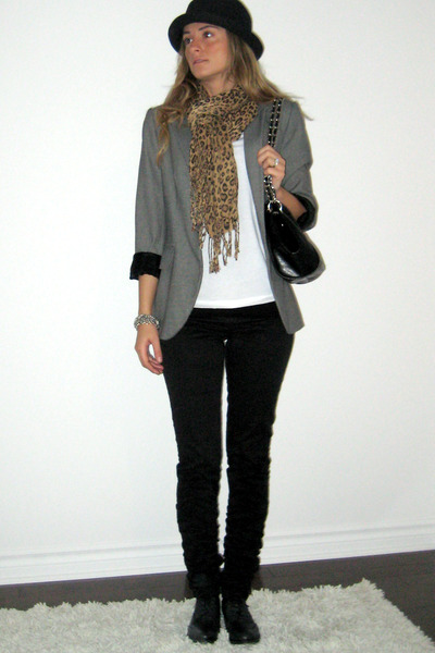 Ardene hat - Zara blazer - Walmart t-shirt - H&M pants - Hudson gift from Englan