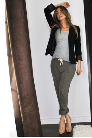 black Sirens blazer - gray H&amp;M t-shirt - green Topshop pants - beige Aldo shoes 