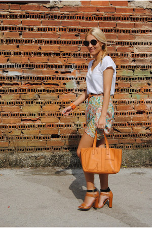 Zara skirt - Carolina Herrera bag