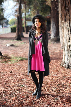 hot pink dress Tobi dress - black bowler hat Forever 21 hat