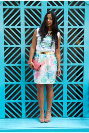 light blue vintage skirt - camel calvin klein shoes - salmon clutch Aldo bag