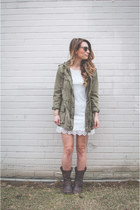 dark khaki military Aritzia jacket - brown leather Frye boots