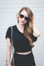 Black-peep-toe-steve-madden-boots-black-cat-eye-forever-21-sunglasses