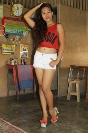shorts - top - pumps