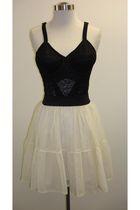 Brow-ny-dress