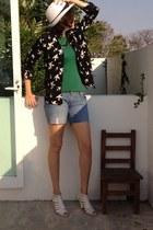 white carlo corinto heels - black Forever 21 coat - navy hollister shorts
