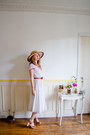 White-dress-tan-vintage-hat-burnt-orange-swedish-hasbeens-clogs