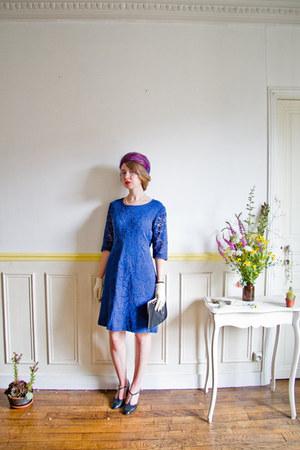 blue lace shift 60s vintage dress - hot pink pillbox vintage hat