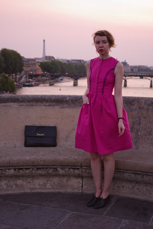 hot pink vintage dress - black vintage purse - black vintage heels