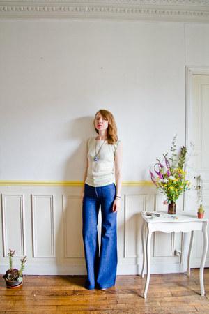 navy vintage jeans - cream knit varsity vintage top - gold asos wedges