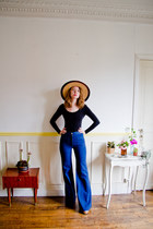 bronze vintage hat - navy vintage jeans - black American Apparel bodysuit
