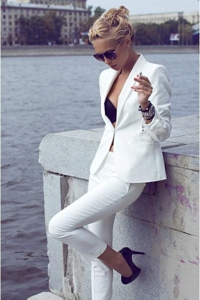 black bra - off white blazer - silver Ray Ban sunglasses - black heels