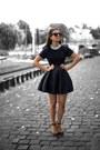 Black-classic-dress-silver-accessorize-necklace-black-sandals