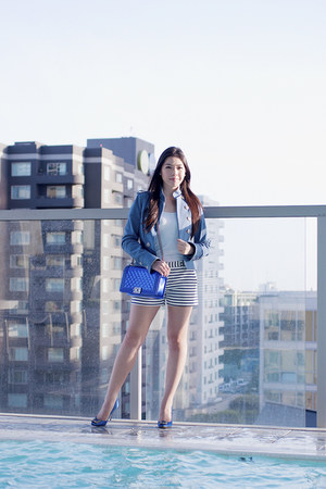 blue denim Chanel jacket - blue Chanel purse - blue Manolo Blahnik heels