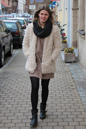 off white Zara coat - black Zara boots - tan COS dress