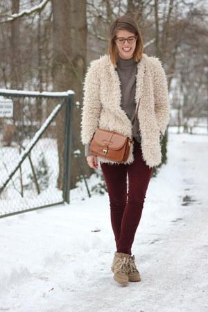 crimson Mavi pants - camel Isabel Marant sneakers