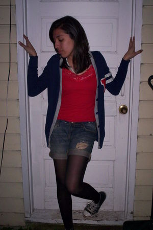 blue cardigan - red Discovery top - blue Refuge shorts - black tights - black Co