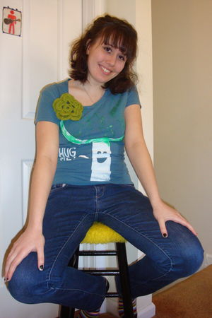 blue homemade t-shirt - green homemade accessories - blue Charlotte Russe jeans
