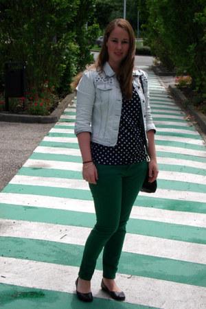 light blue h&m divided jacket - black Primark shirt - green Zara pants - black M