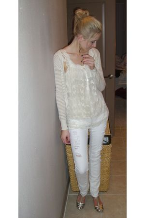 beige H&amp;M sweater - beige American Rag top - white American Eagle jeans - gold S