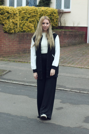 Atterley Road coat - Missguided top - Pretty Little Thing pants