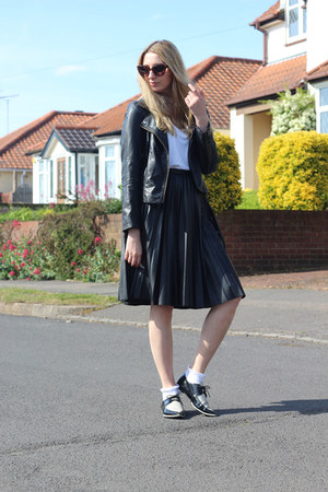 Zara shoes - Sheinside jacket - River Island socks - Missguided t-shirt