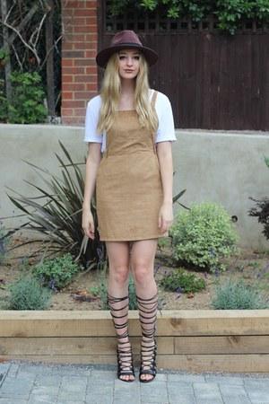 Missguided hat - Boohoo dress - Missguided t-shirt - JustFab heels