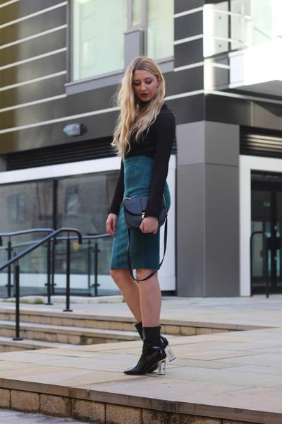 Missguided skirt - ego boots - Primark bag - Primark jumper