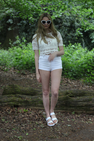 Pretty Little Thing shoes - asos shorts - Pretty Little Thing top
