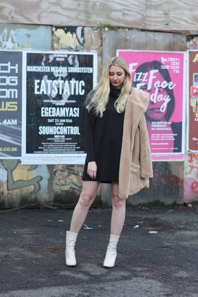 Primark coat - ego boots - IN THE STYLE dress