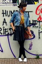 Levis jacket - Episode top - Episode skirt - Waterlooplein Market purse