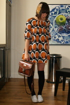 H&M dress - Waterlooplein Market purse - Bona Drag accessories - Zipper shoes