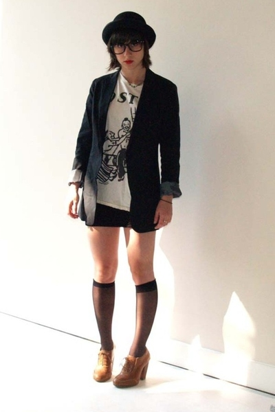 H&M hat - Uniqlo blazer - Marc Jacobs t-shirt - Topshop shoes