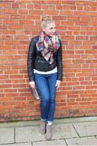 tan Target scarf - black Bernardo Leather jacket - purple Marc Jacobs bag