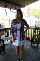 white eyelet Bebe dress - hot pink plaid Forever 21 shirt