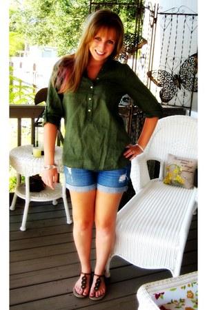 navy Mudd Jeans shorts - ivory Forever 21 bracelet - forest green linen Old Navy