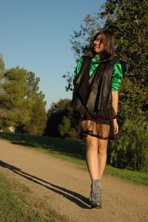 black Grai vest - black vintage skirt - green vintage blouse - gray Alexander Wa