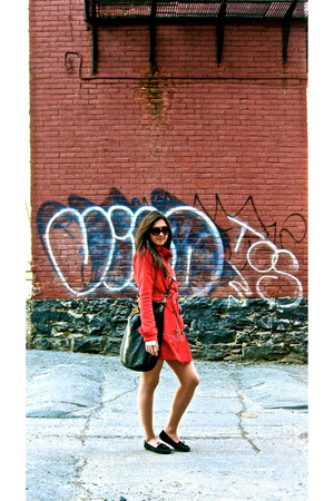 red groggy coat - black Marc by Marc Jacobs bag - black Minnetonka flats