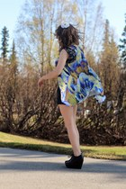 purple floral dress - mustard floral dress - black heels