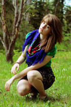 purple floral dress - chartreuse dress - blue rose scarf