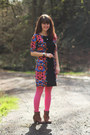 Camel-boots-blue-floral-dress-hot-pink-tights