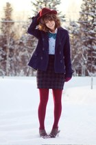 maroon tights - periwinkle floral vintage shirt - navy houndstooth skirt