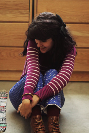magenta striped shirt - blue polka dot pants - carrot orange belt