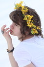 White-lace-dress-yellow-daisy-diy-hat-blue-lyric-diy-shirt