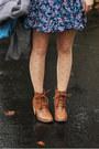 Camel-boots-blue-floral-dress-mustard-leopard-print-shirt