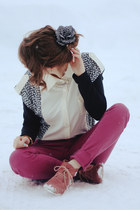 pink suede boots - eggshell kitty cat print shirt - maroon pants