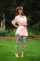 hot pink floral leggings - light orange pin stripe shirt - sky blue belt