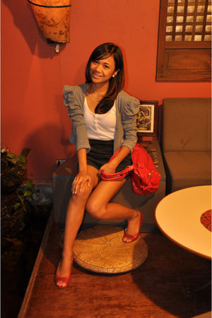 blue cardigan - red - red shoes - black shorts - white top