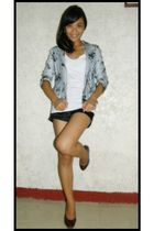 white abercrombie and fitch top - white blazer - red shoes - black shorts